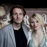 He ovat paenneet (2014) ohjaaja J-P Valkeapää ja näyttelijä Roosa Söderholm. Kuvaaja Adriana Dobrin