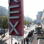 Lipunmyynti alkoi Bio Rexissä. Kuvaaja Marko Oja