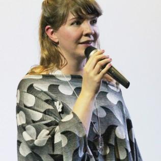 Grandma Lo-fi -elokuvan ohjaaja Kristín Björk Kristjánsdóttir. Kuva: Inez Kaukoranta