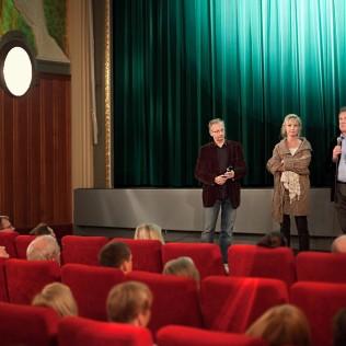 Irlantilaisnäyttelijä Colm Meaney esitteli festivaalilla elokuvan PARKED yhdessä naispääosaa esittävän Milka Ahlrothin kanssa. Kuva: Simo Karisalo