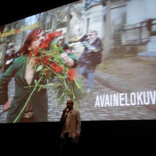 R&A:n tiedotustilaisuudessa puhumassa festivaalijohtaja Pekka Lanerva