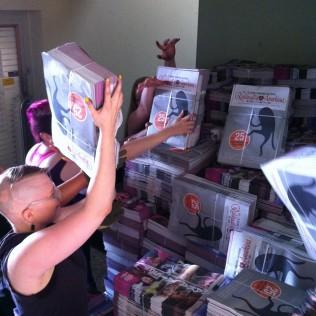 Lehdet tulivat 16.8. aamulla toimistolle! Kohta niitä saa ympäri pääkaupunkiseutua!