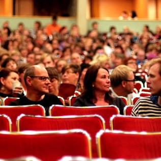 Yleisöä Bio Rexissä 19.9. Kuva: ATiimi
