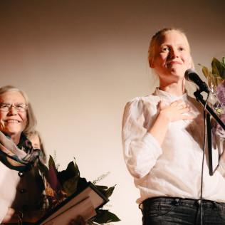 Vuoden elokuvanäyttelijäpalkinto jaettiin Liisi Tandefeltin ja Laura Birnin kesken. Kuva: Pauli Haanpää