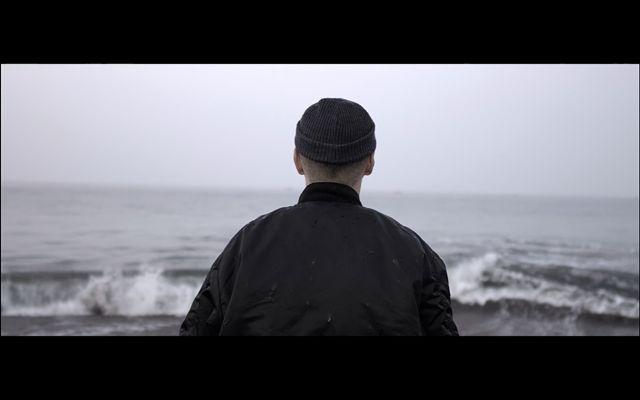 Ohjaaja Miikka Lommi vilahtaa itsekin R&A:n uudessa trailerissa